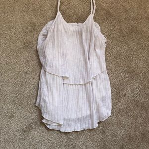 💥2/$30💥 NWOT White Tiered Top, Small